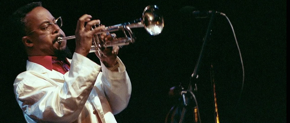 The great Lester Bowie in his white lab coat